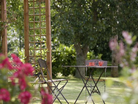 Jardin calme et ombragé